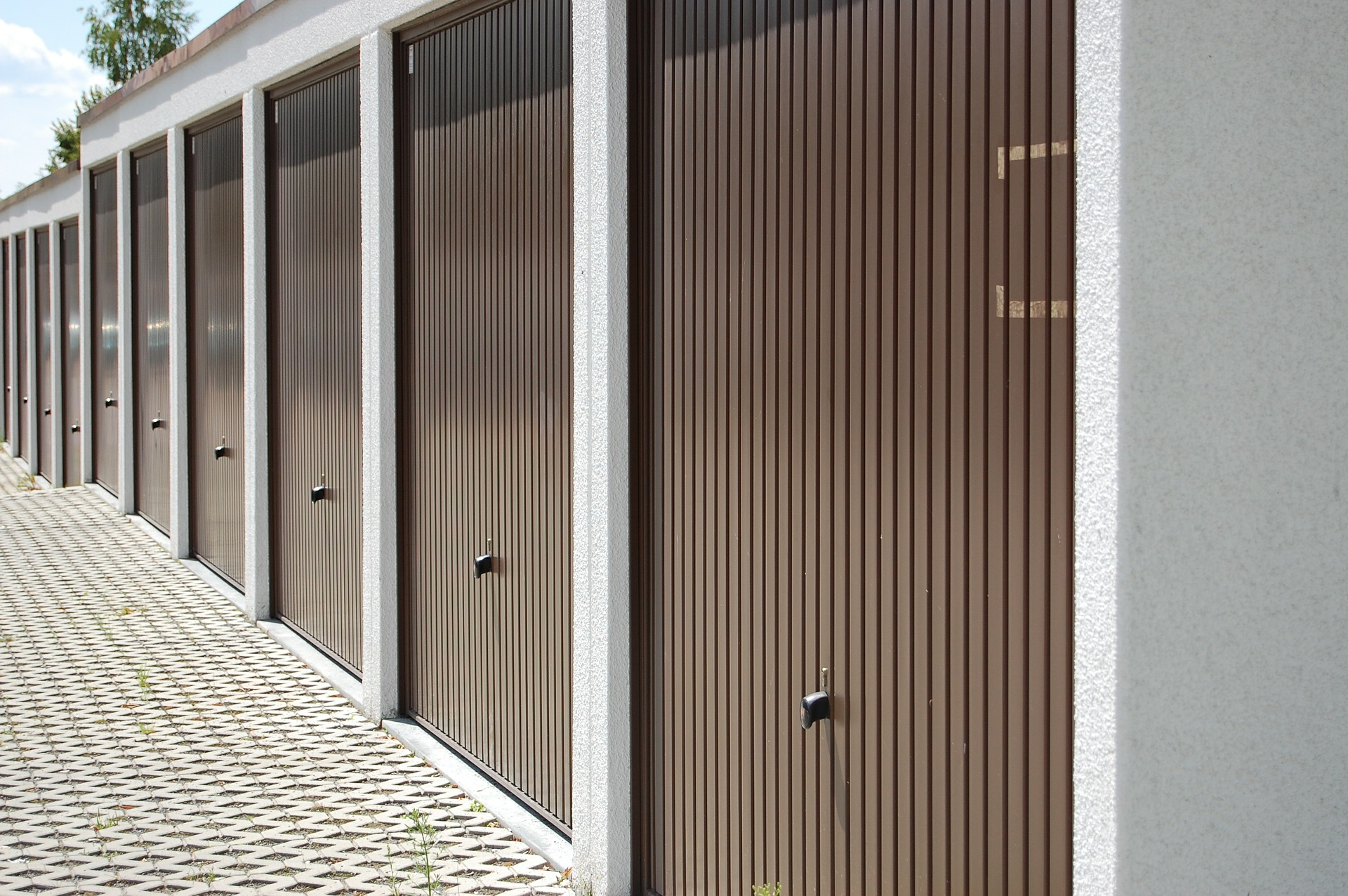 General Safety Tips For Using a Garage Door