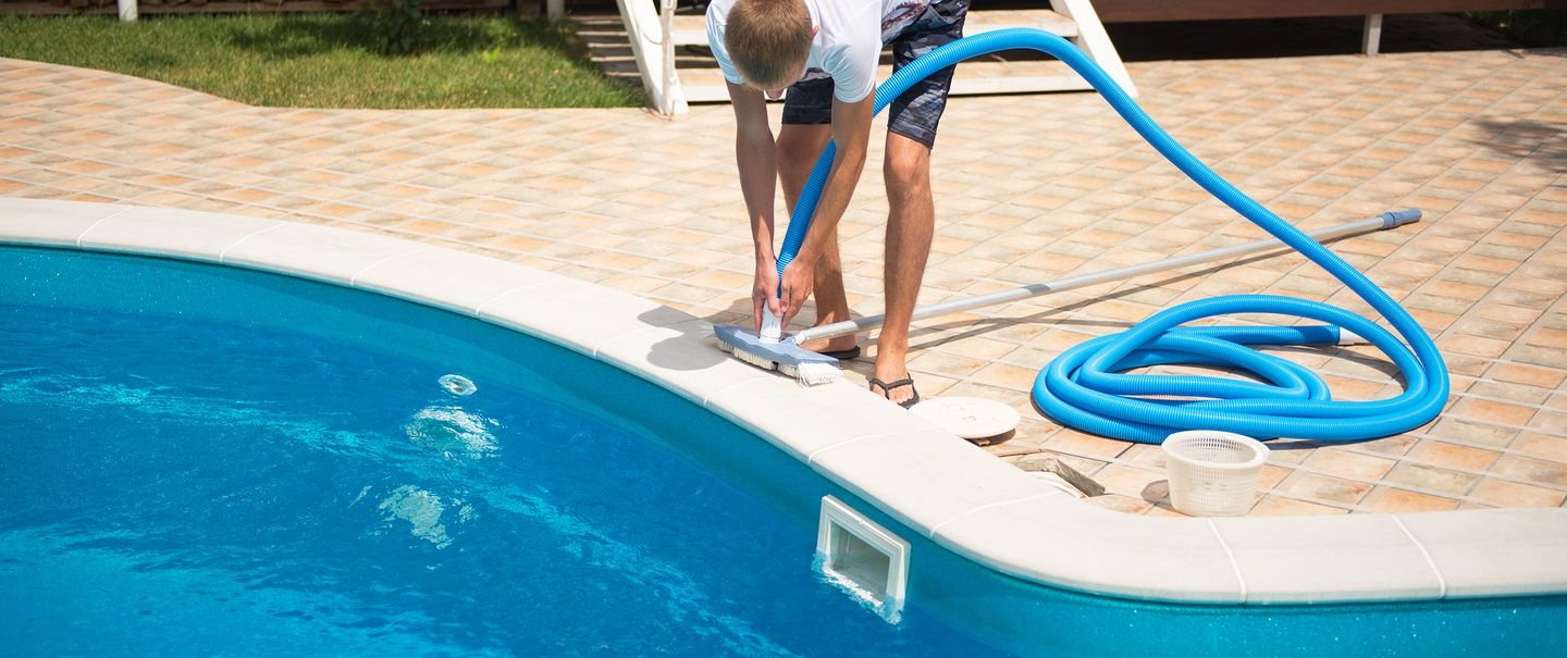 Do You Know the Reasons for Hiring Professional Pool Repair Services?
