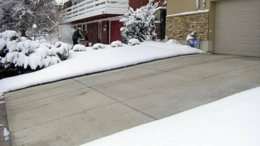 HOW TO PICK A DRIVEWAY HEATING CONTRACTOR?
