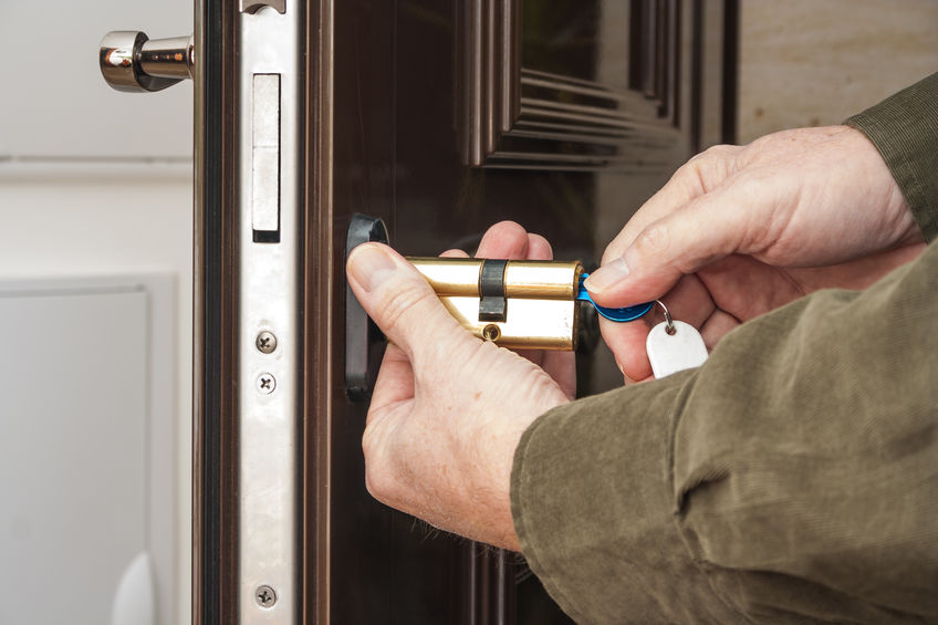 What Kind of Locksmith Service You Need for the Cylinder Lock