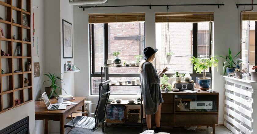 Essential Elements for Your Home Office to Achieve Happiness and Success