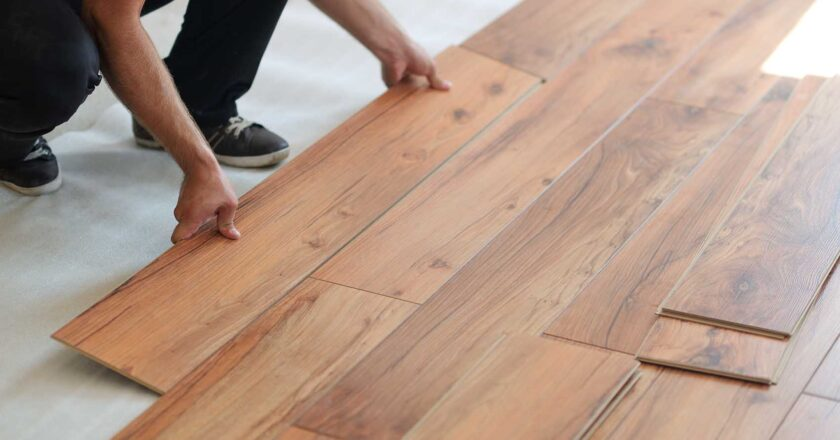 What is laminate flooring? Construction and description.