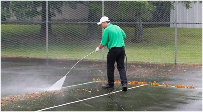 What to do for maintaining a tennis court