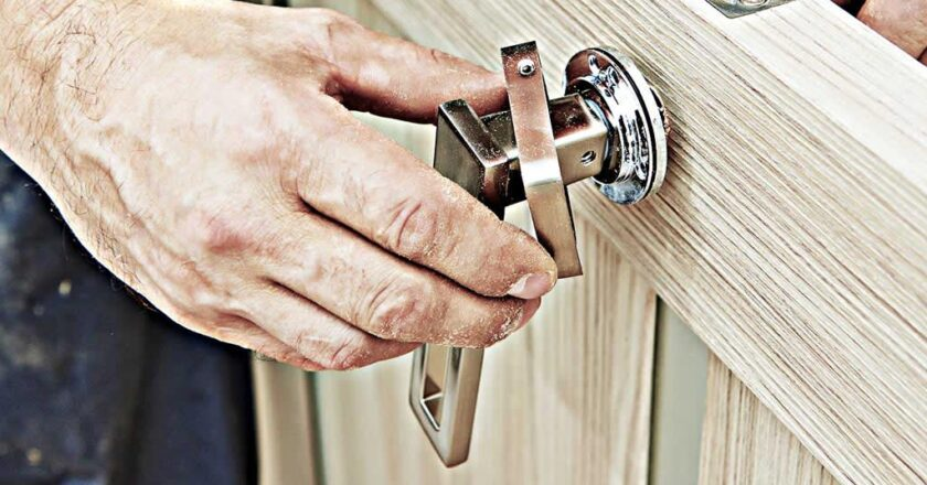 Factors You Should Consider While Hiring A Locksmith