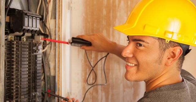 Why You Should Only Use Approved Electrician For Electrical Repairs