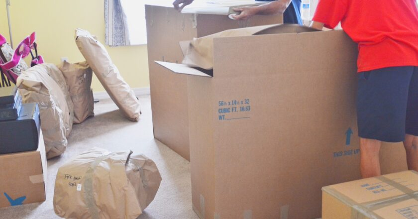 Five Ways Hiring a Mover Saves Time and Money